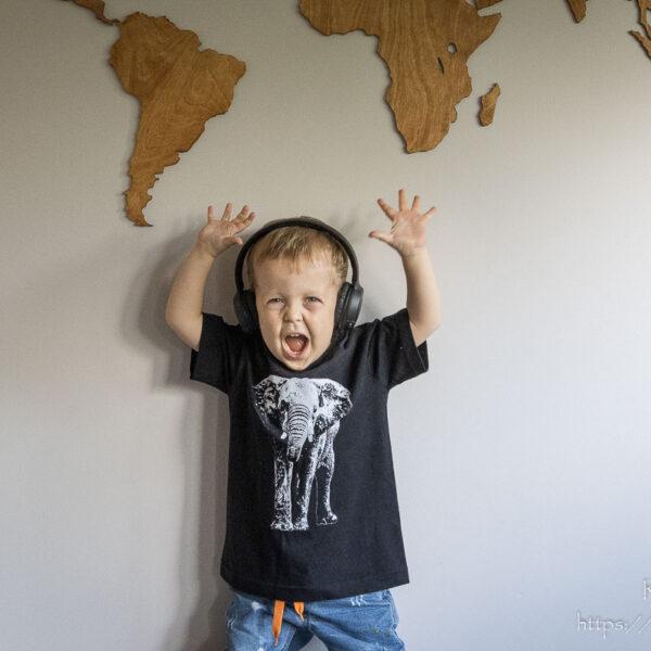 Czarna koszulka ze stojącym słoniem dla chłopca